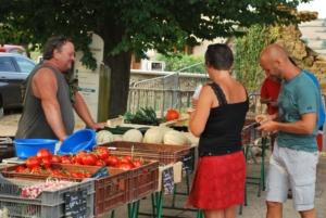 Marché hebdomadaire @ Place du village | Matour | Bourgogne Franche-Comté | France